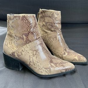 Topshop Snakeskin Pointed Toe Booties 38.8 E